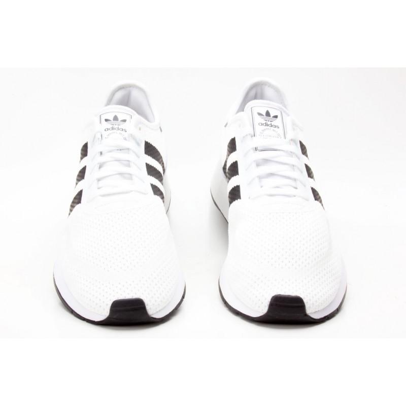 Schuhe N