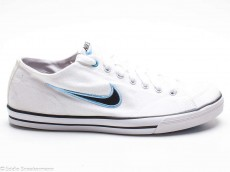 Nike Capri Canvas white black football blue